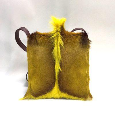springbock-jaune-en-bandouliere-face